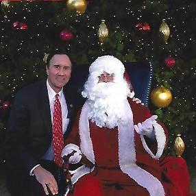 Congressman Pete Olsen and Santa at Pearland Town Center 2017.